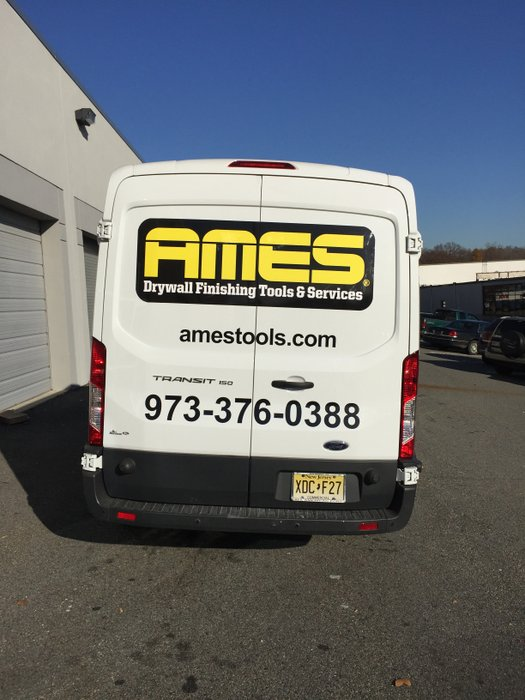 gs-vehiclegraphics-van-lettering-001